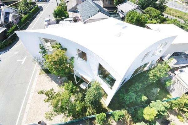 Forest House in the City by Studio Velocity #modern #design #minimalism #minimal #leibal #minimalist