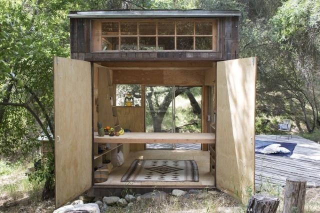 Cabin in Topanga – Fubiz™ #interior #design #decor #wood #architecture #deco #cabin #decoration