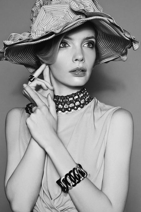Sophie Srej by Michelle Du Xuan for Harpers Bazaar China #model #girl #photography #portrait #fashion #beauty