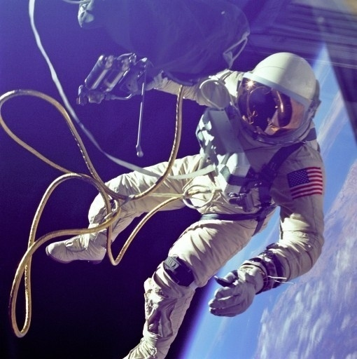 NTHN blog #tethered #astronaut #space #nasa