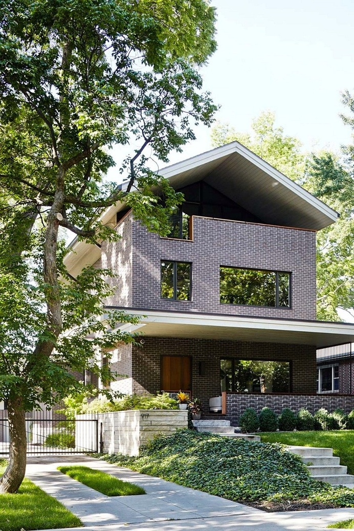 Show House is a Contemporary Take on a Traditional Building Form 1
