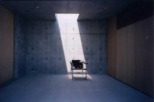 zen_house_faa060808_7.jpg (900×600) #interior #furumoto #concrete #house #chair #ryuichi #architecture #zen #light