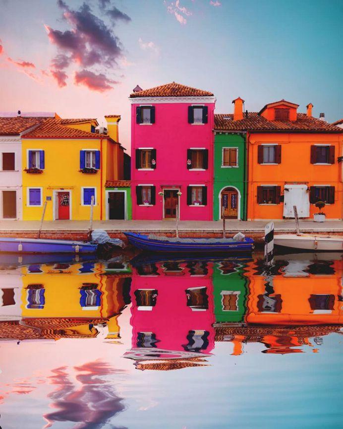 #italianlandscapes: Striking Street Photography by Dorian Pellumbi