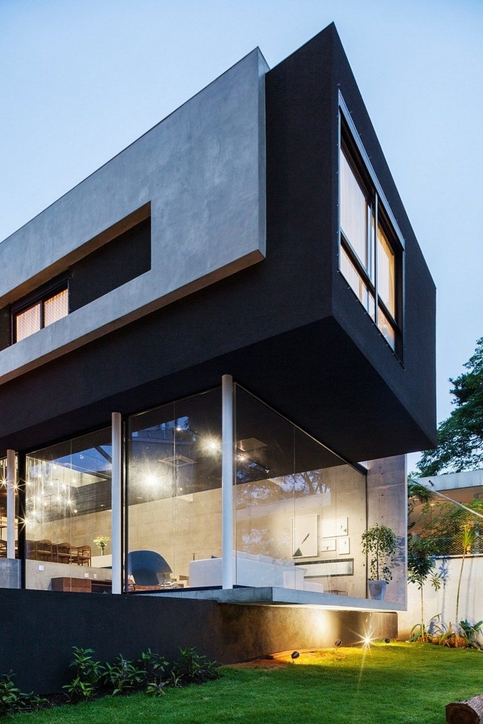This São Paulo House Has a Mixed Structural Design that Combines Concrete with Steel 14