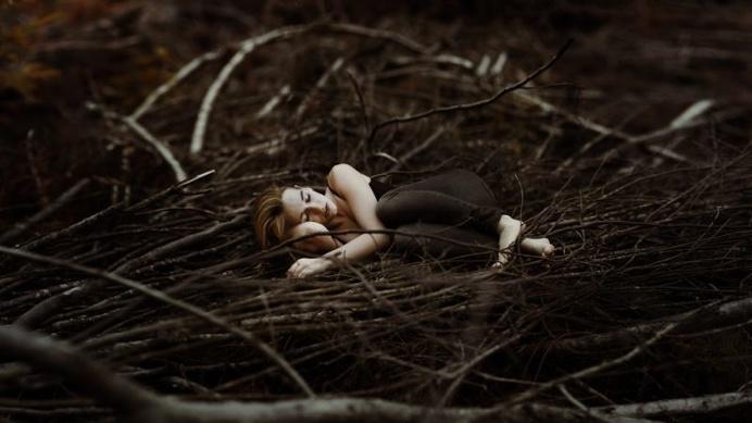 Incredibly Beautiful Dreamlike Portrait Photography by Laura Zalenga