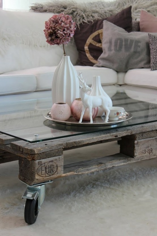The Design Chaser: Wood Pallet | DIY Furniture #interior #design #living #pallet #deco #coffee #table #room #decoration