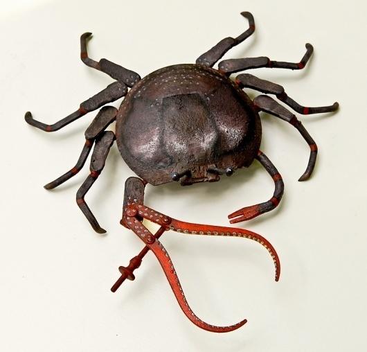 How to Photograph Art #sculpture #scrap #metal #animal #crab