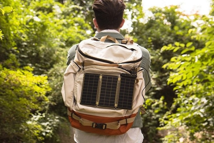 It's never been easier to charge your devices while on the go with Solar Paper, a solar charger that gives your electronics that extra boost #outdoor #product #design