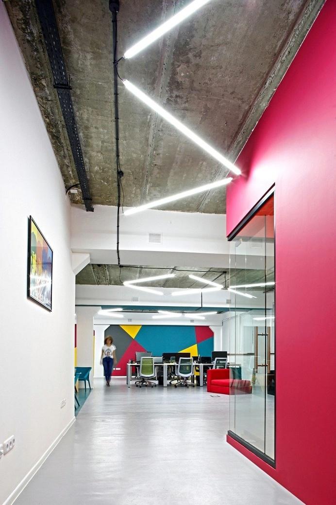 Open Workspace BigBek - SNKH Architectural Studio 8