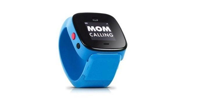 Craft and technology combined into one, a smartwatch for children allowing you to know where they are anytime. #design #product #industrial