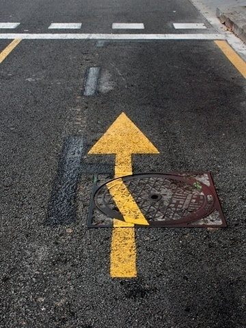Twibfy #yellow #street #direction #photography #arrow #circle #broken