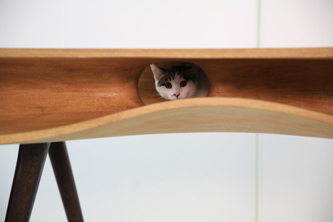 CATable by Hao Ruan_dezeen_4 #design #cat #wood #furniture #industrial #table