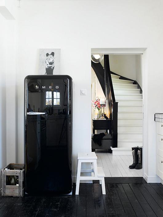 black, like i take my coffee / sfgirlbybay #interior #design #decor #deco #decoration