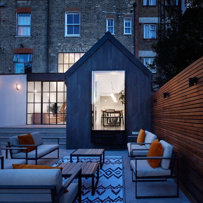 outdoor / Merrett Houmoller Architects