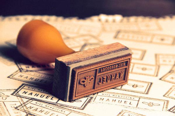 Nahuel Honey Stamp #stamp #icon #classic #bee #vintage #honey #logo