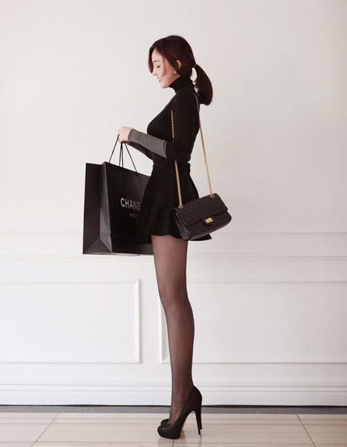 On Display #shopping #bag #woman #black