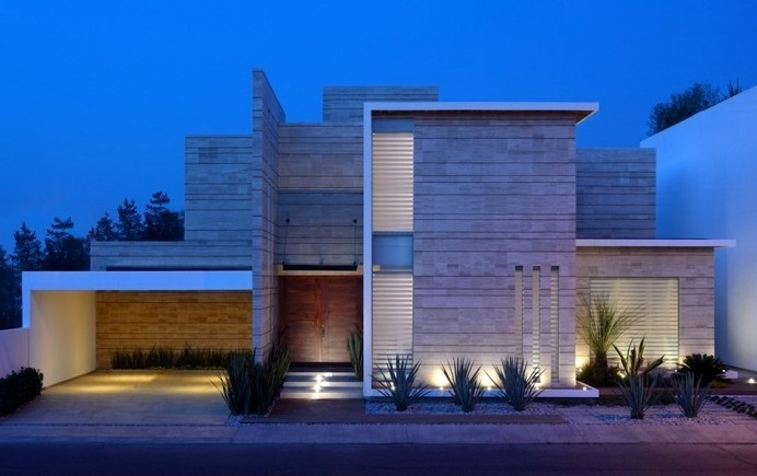 A Sequence of Straight Lines Defining a Dream Mexican Home #architecture