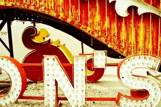 I Love Dust #lettering #neon