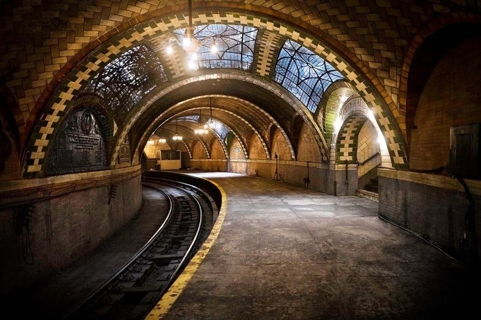 Twibfy #ny #city #subway #photography #hall #station