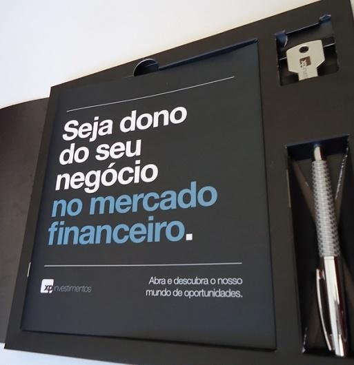 Flavio Barros   Designer Gráfico #direta #design #book #drive #pen #mala