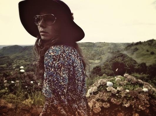 Gramado | Flickr - Photo Sharing! #glasses #photography #woman #nature
