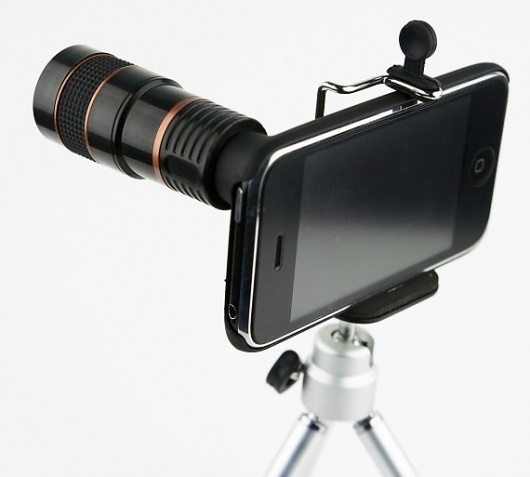PSFK » 8X Telephoto Lens For iPhone Unveiled #telephoto #iphone #lens