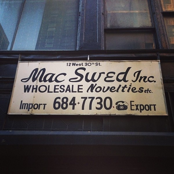 NYC TYPE #sign #script