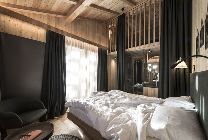 Cozy, Warm and Organic Experience for a High Mountain Refuge - InteriorZine