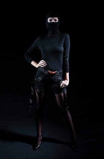 GEORG·SCHROEDER FOTOGRAFIE #woman #clothes #black #ninja #photography