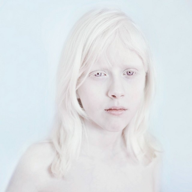 Snow White by Sanne De Wilde #inspiration #photography #art #fine