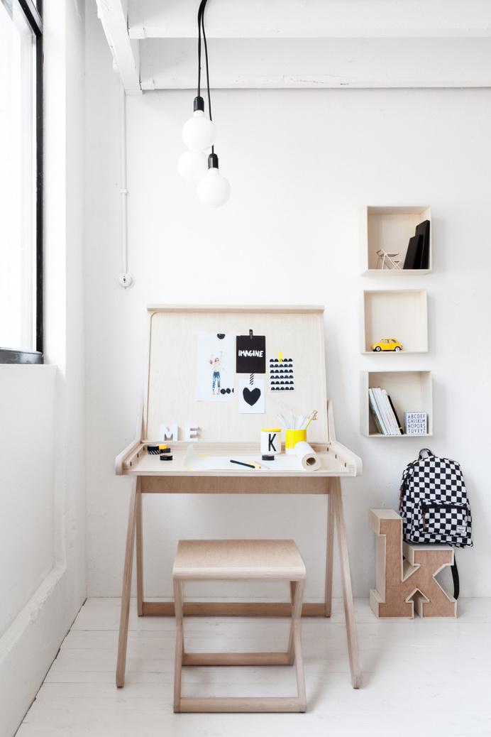 Elegant desk for children K desk by Rafa-Kids - www.homeworlddesign. com (3) #kids #design #desk #rafa