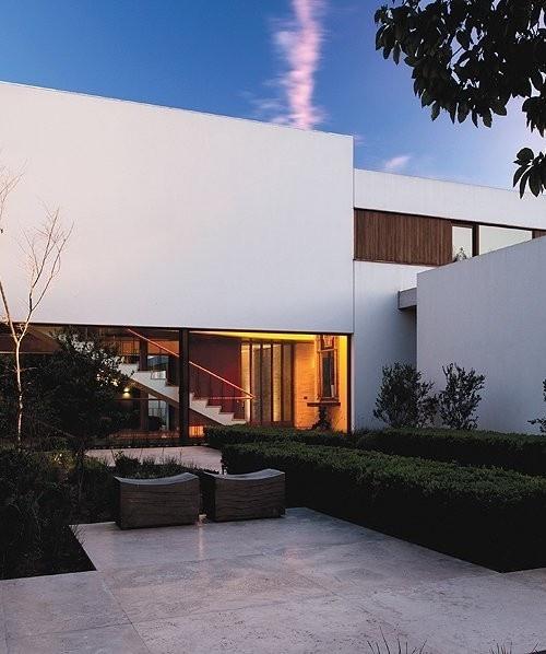 http://blog.leibal.com/interiors/residential/fray-leon-house/ #design #architecture #interiors