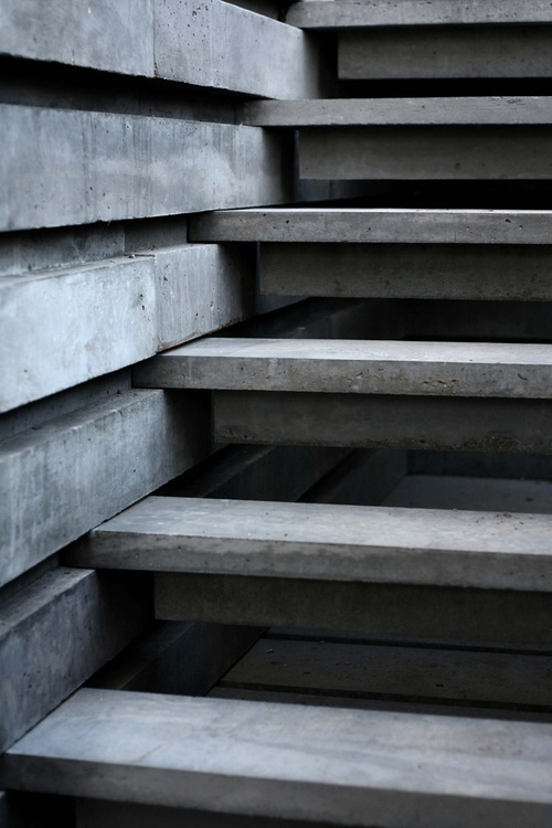 Drop Anchors, Concrete slatted stairway.
