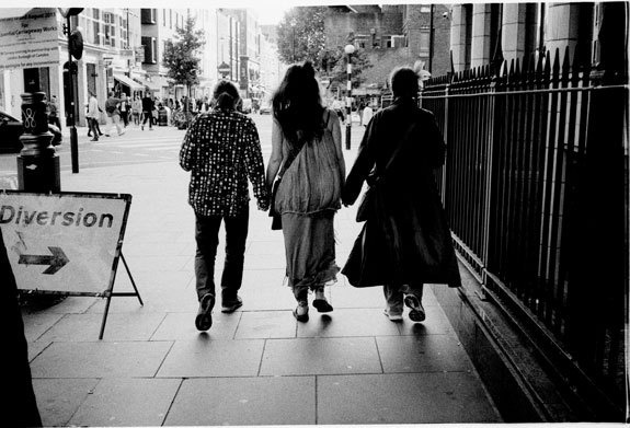 Streetphotography London by madebythelatestnews.com #london #streetphotography #street