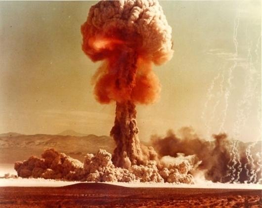 File:Upshot-Knothole Grable 001.jpg - Wikipedia, the free encyclopedia #mushroom #grable #cloud #upshot #nuclear #knothole