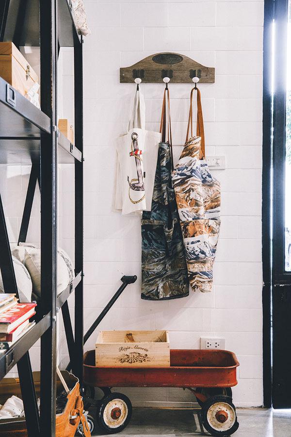 YW9C6850 #interior #shop #design #decor #cafe #deco #coffee #decoration