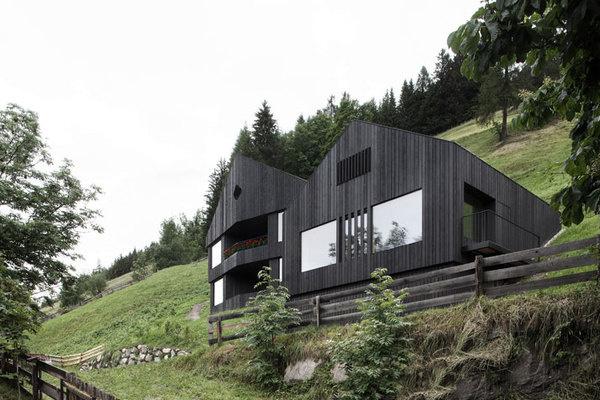 House in Pliscia by Pedevilla Architects #minimal #minimalism #minimalist #modern design #minimal design #minimalist design #leibal #minimal