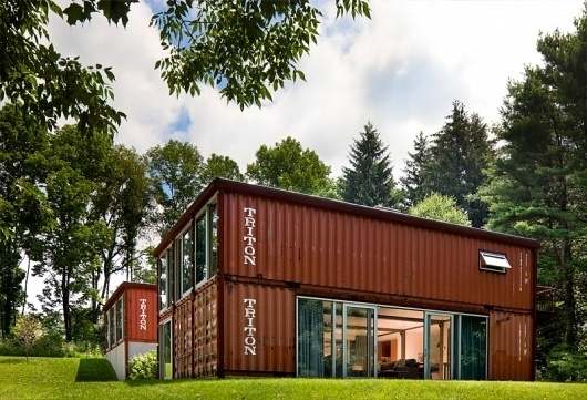 "Adam Kalkin's ""Old Lady House"" Shipping Container Home #shipping #red #house #container #building #architecture #diy #green"