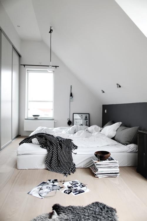 simple in #interior #design #bedroom #morning #light