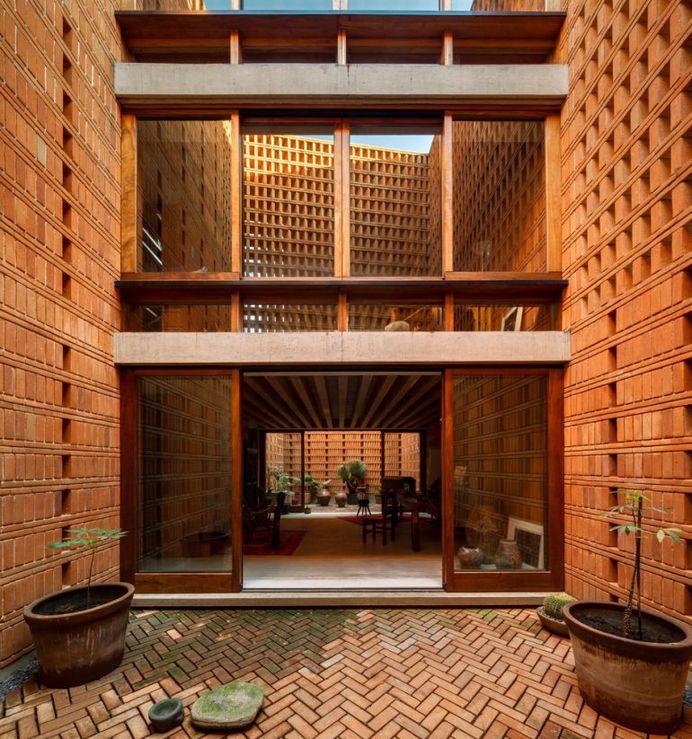 Iturbide Studio / Architecture Workshop Mauricio Rocha + Gabriela Carrillo
