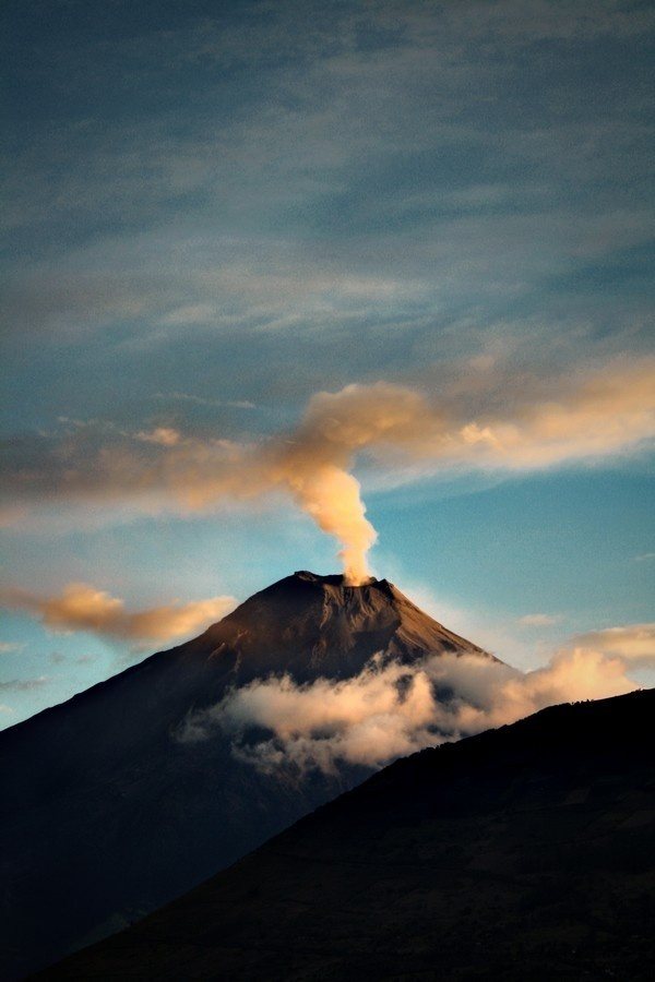 http://concretematter.tumblr.com/post/41191579772 #sky #landscape #nature #photography #volcano