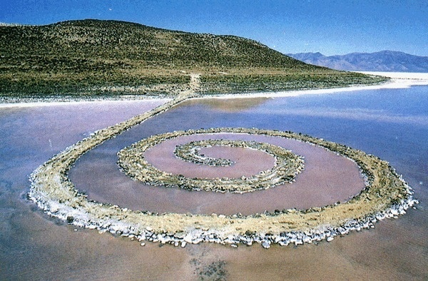 "essay land art An excerpt from spiral jetta: a road trip through the land art spiral jetta a road trip through the land art fried's 1967 essay on minimalism, ""art and."