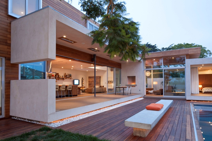 Warm and Family Friendly Home with Sustainable Features in Venice #architecture