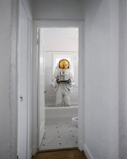 Category: Talents » Jonas Eriksson #astronaut #tub #restroom
