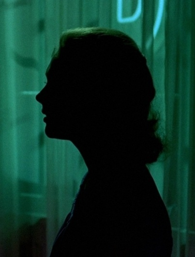 Kim Novak in Vertigo (1958, dir. Alfred Hitchcock) | Old Hollywood #model #vertigo #photo #alfred #kim #photograph #novak #hitchcock #silhouette