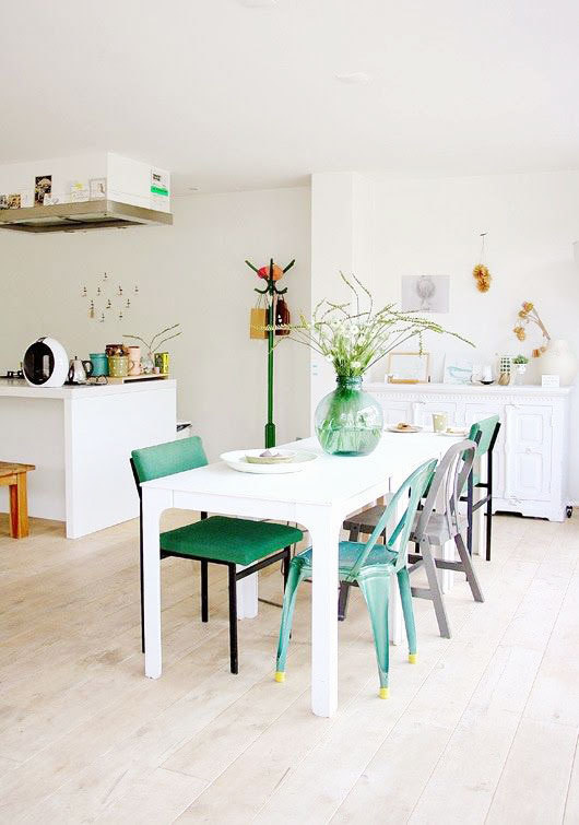 holly marder green dining chairs #interior #design #decor #kitchen #deco #decoration