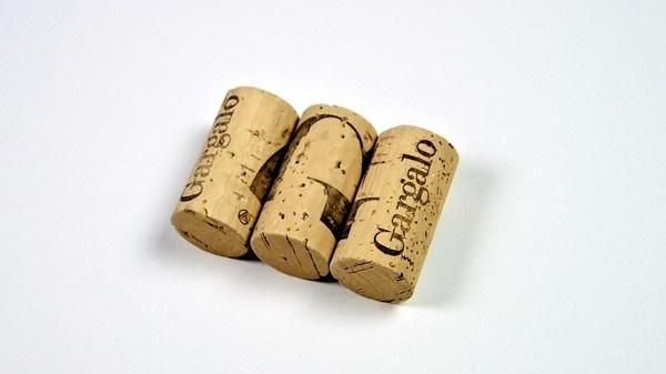 Gargalo by Solo, Independent Graphic Design Studio from Barcelona #solo #wine #identity #gargalo #galicia #typography
