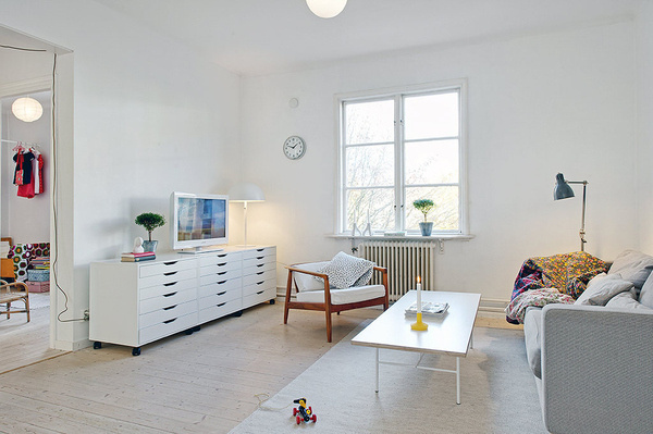 A home in Gothenburg, Sweden.Photo from the real estate agency Alvhem. #white