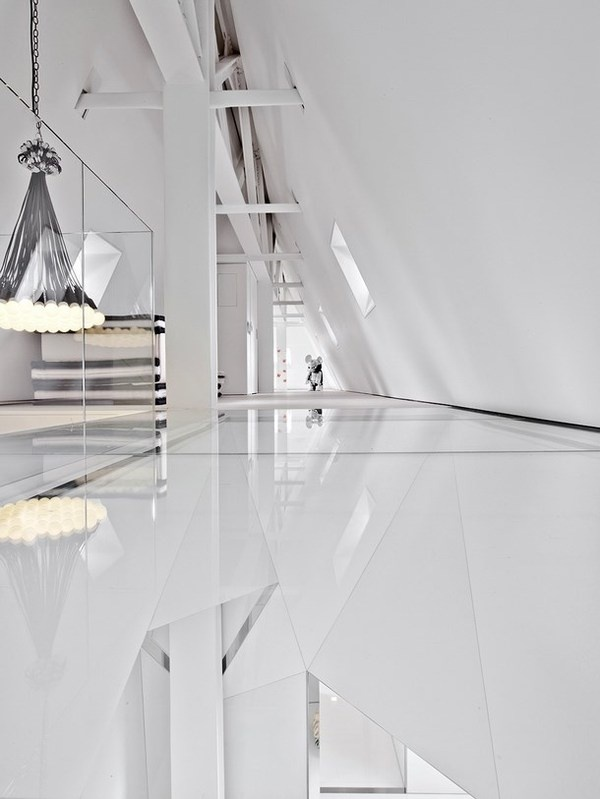 White interior and sculpture in penthouse #interior #artistic #penthouse #apartment #fun
