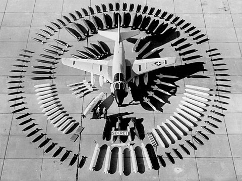 itstimetobomb.jpg (480×358) #photography #plane #weapons